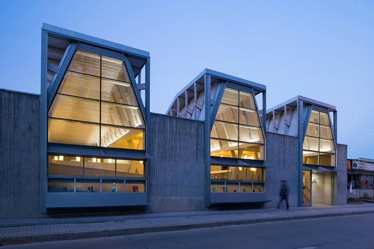 Spectacular Library In Chile Built With Locally Sourced Wood From Earthquake Stricken Town