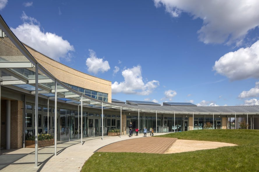 University of Cambridge Primary School by Marks Barfield Architects, University Training School, University Training School in the UK, University of Cambridge Primary School, BREEAM excellent UK school, BREEAM Excellent primary school, primary school architecture, energy efficient school architecture, solar powered school