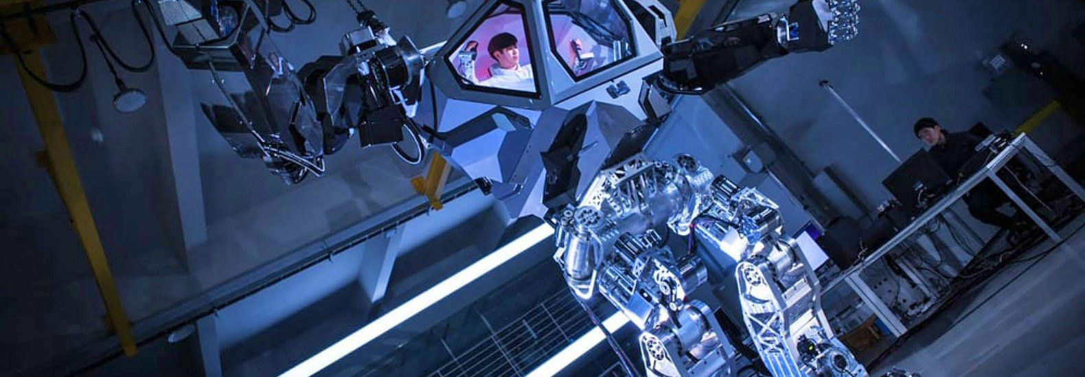 Hollywood Robot Designer Builds 13 Foot Mech Suit To Clean Up Fukushima