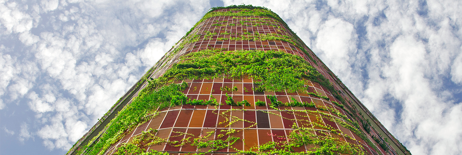 This plant-covered Singapore skyscraper is the tropical building of the future