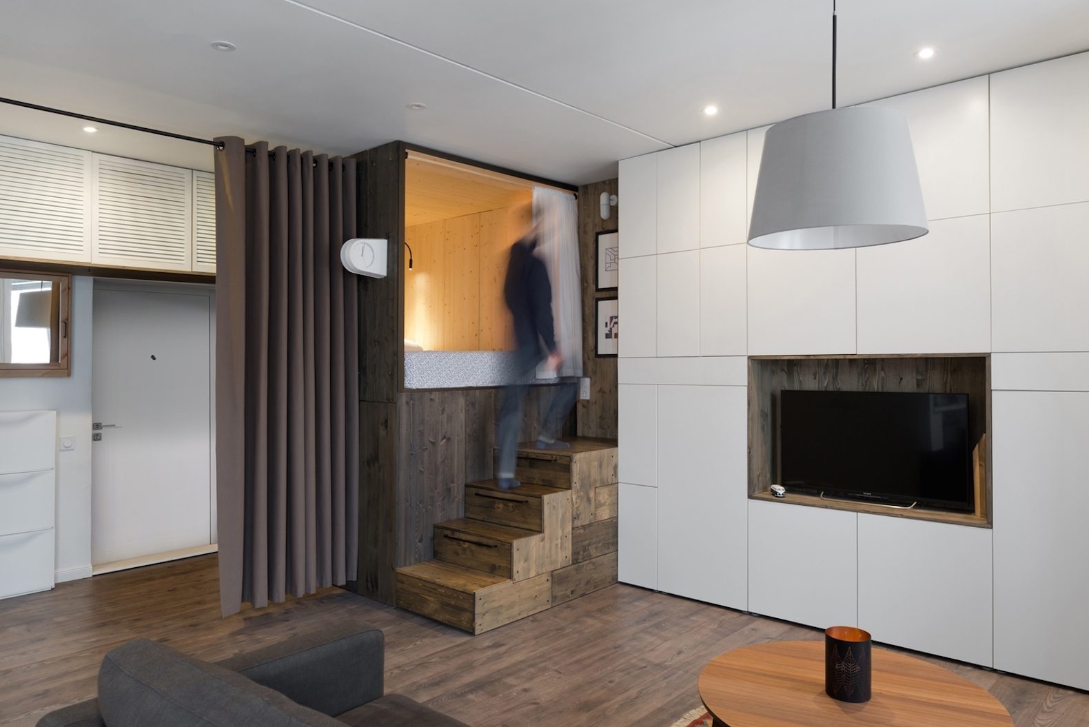 Cleverly designed bed makes this tiny home feel bigger than its 35-square-meter footprint