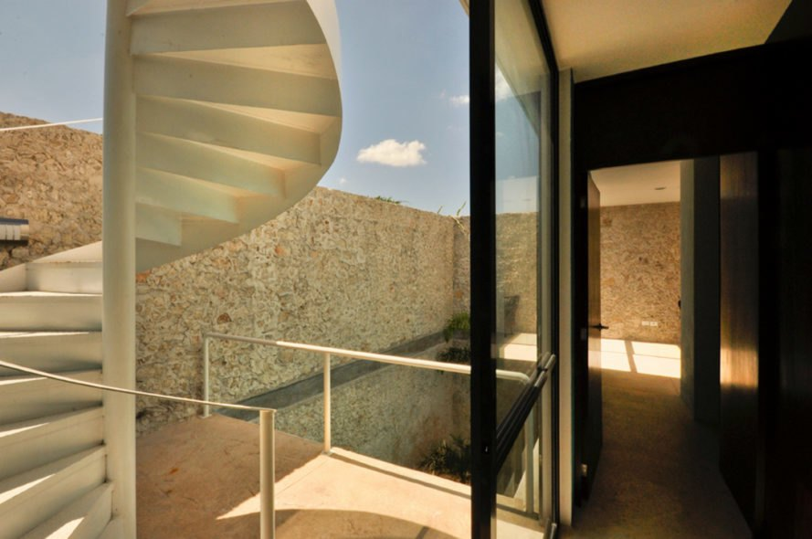 Casa Remate, AS Arquitectura, home renovation, mexican architecture, minimalist design, polished white concrete, mexican courtyards, merida colonial homes, colonial home design, historic home renovation, rooftop terrace, green renovations, natural building materials