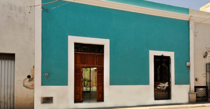Decayed home in historic Merida reborn as the turquoise-tinted Casa