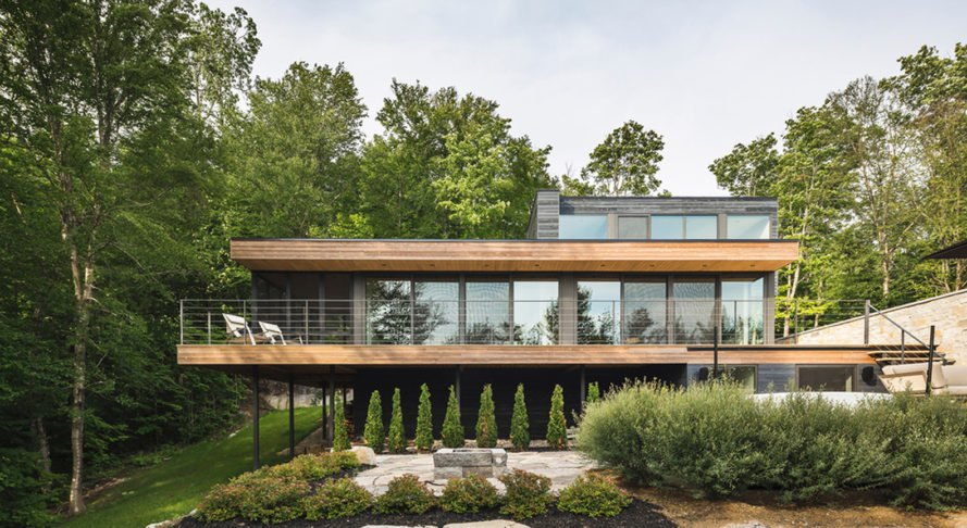 Estrade Residence, MU Architecture, green roof, Quebec, Canada, cedar, wooden cladding, locally sourced materials, green architecture, terrace