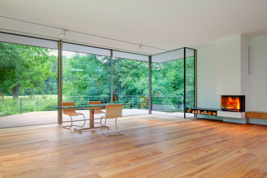 Falkenberg Innenarchitektur, Haus Rheder II, tiny homes, tiny cabins, wood cabins, minimalist design, timber materials, timber deck, german minimalism, reflecting pool, nature-inspired design, smart homes, home renovation, green renovation