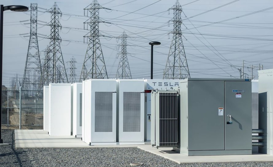 Tesla Just Completed The World S Largest Battery Storage