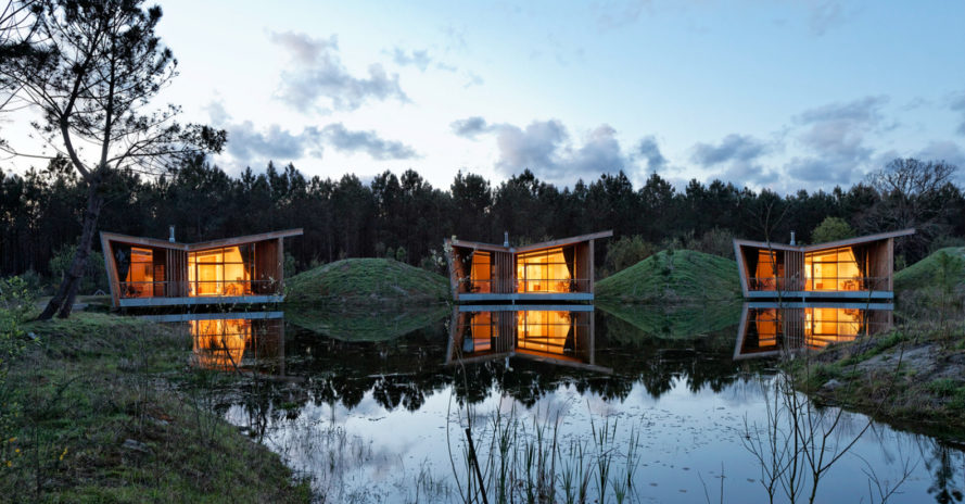 Patrick Arotcharen Architecte, Eco-lodges les Echasses, sustainable hotels, sustainable eco lodges, les Echasses eco lodge, wooden lodges, off grid huts, small housing, french pine forests, locally sourced materials, green building, sustianable building, green design,