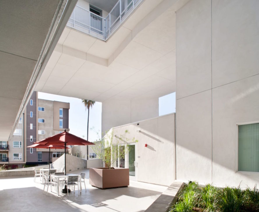 Six Affordable Veteran Housing by Brooks + Scarpa, Six Affordable Veteran Housing in Los Angeles, Los Angeles disabled veterans housing, affordable veterans housing, affordable disabled veterans housing, disabled veterans housing, humanitarian architecture in Los Angeles, MacArthur Park affordable housing