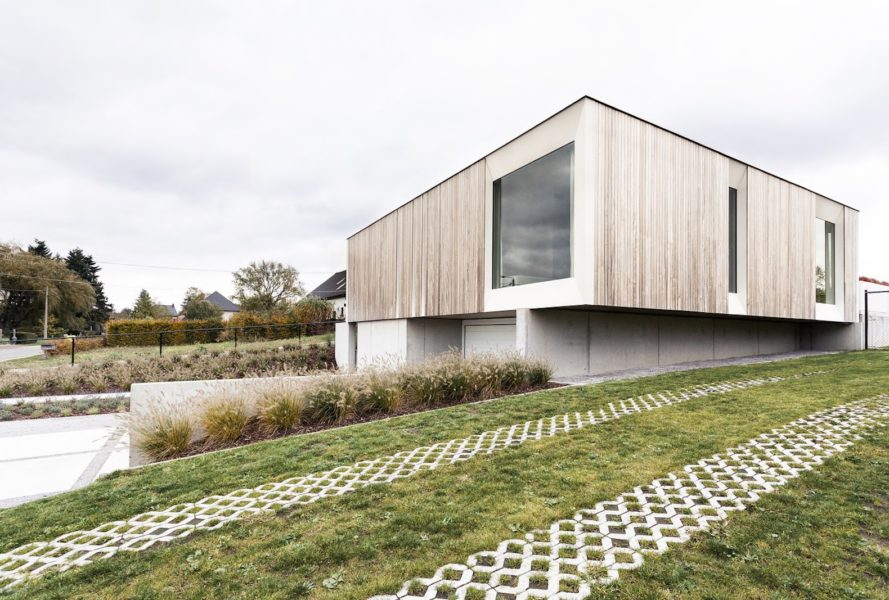 cross laminated timber house, Skilpod #150, Skilpod and UAU Collective, prefabricated home, zero-energy architecture, zero-energy prefab home, Rockwool insulation in zero-energy architecture, passive solar prefab home, cross laminated timber architecture, modular energy neutral housing, zero energy housing in Belgium,