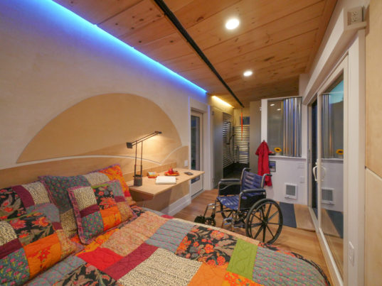 Wheelchair friendly wheel pad tiny house proves universal for Building a wheelchair accessible home