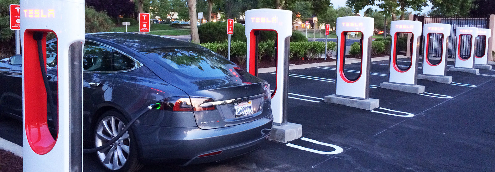 Public charging stations for tesla