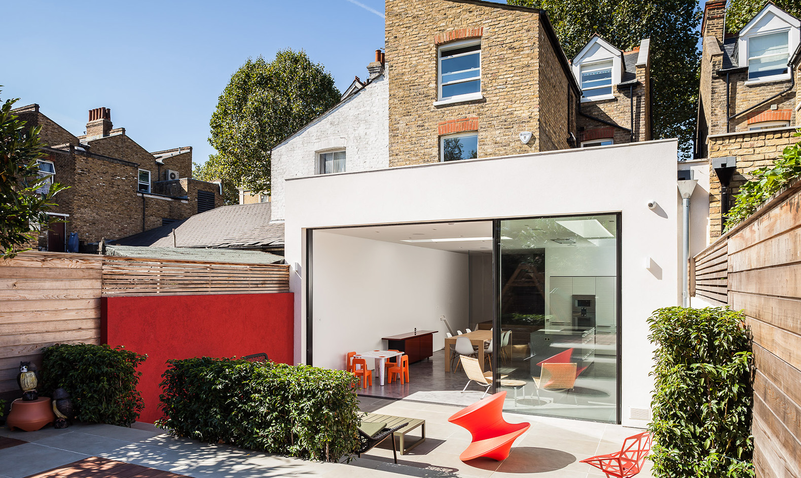 Modern renovation reconnects london home with its for How to get your house renovated for free