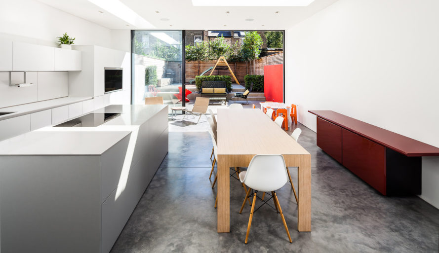 Chiswick House, AU Architects, green renovation, London, sliding doors, green architecture, open plan layout, polished concrete, natural building materials, garden terrace, rear garden