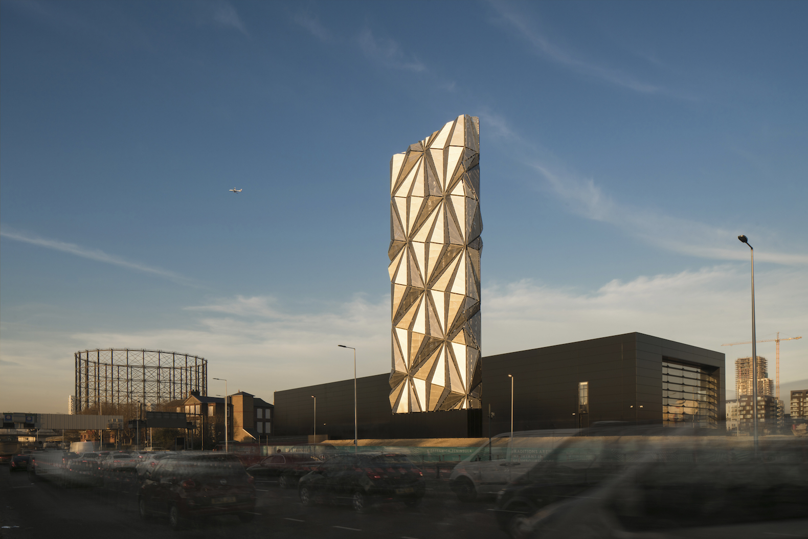 Greenwich Peninsula Low Carbon Energy Centre by C.F. Møller Architects, Conrad Shawcross energy center, The Optic Cloak by Conrad Shawcross, combined heat and power center, combined heat and power in Greenwich Peninsula,
