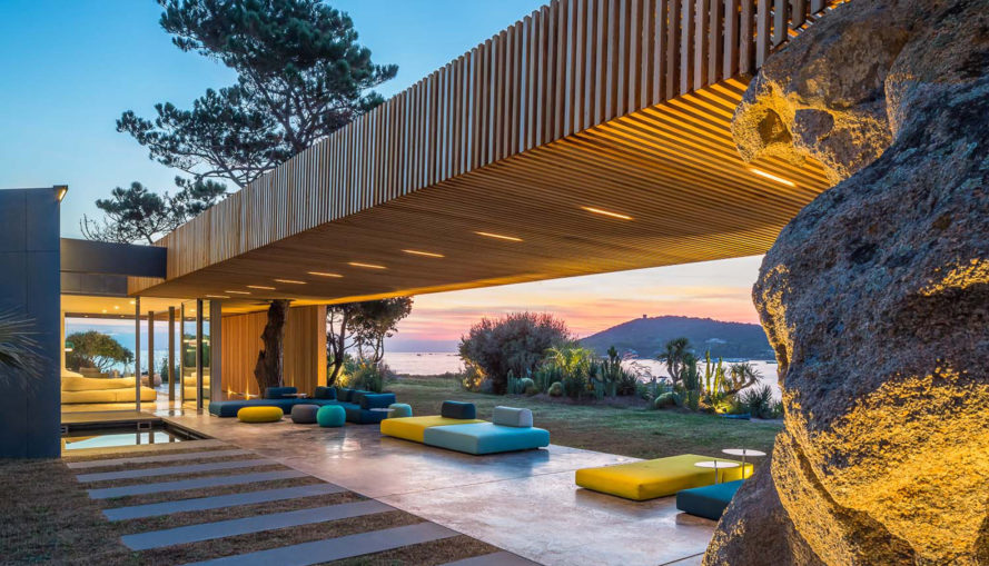 H2 Cape House, green roof, Mediterranean, outdoor-indoor living, swimming pool, green architecture, sheltered terrace, glass facade, cedar facade