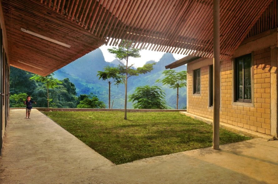 1+1>2 architects, Jungle Flower by 1+1>2, Lung Luong elementary school, Jungle Flower school, Jungle Flower school in Lung Luong, school design by 1+1>2, north Vietnam projects by 1+1>2, rammed earth school, bamboo school, Thai Nguyen Province school