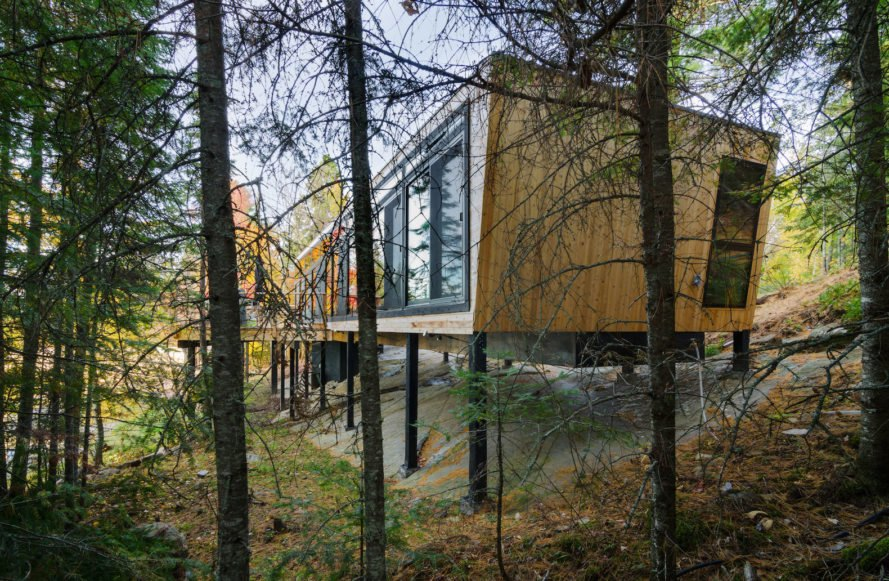 Kiss Kiss House by Lazor Office, prefabricated architecture by Lazor Office, Rainy Lake home, home elevated above bedrock, Kiss Kiss House in Ontario, prefabricated Ontario home, prefabricated lakeside architecture