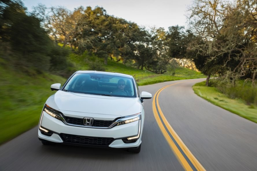 honda, honda clarity, clarity fuel cell, honda clarity fuel cell, clarity review, honda clarity review, honda review, fuel cell vehicle, automotive, car review, green car, hydrogen, electric car, fuel cell, hydrogen powered car, green transportation, green car, 2017 honda clarity, 2017 clarity review, toyota mirai, mirai