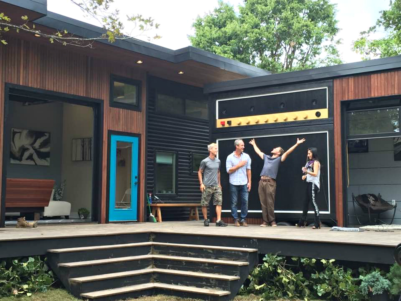 Amplified tiny house lets musician homeowner rock out in for Cool little houses