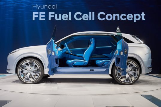 Hyundai 39 S Fe Fuel Cell Concept Emits Nothing But Water