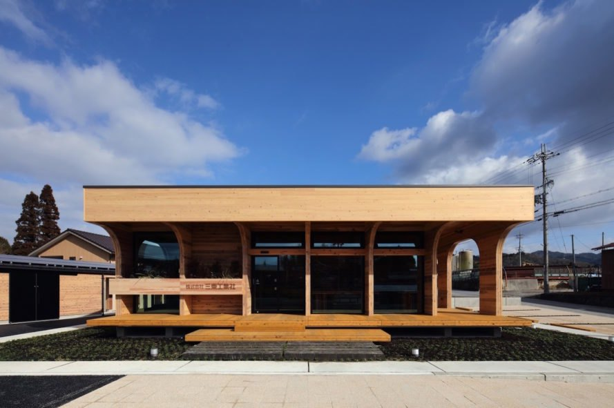 Santo CLT Office by Junichi Kato & Associates, Santo CLT Office, CLT architecture, cross laminated timber architecture, office made from cross laminated timber, wooden office design