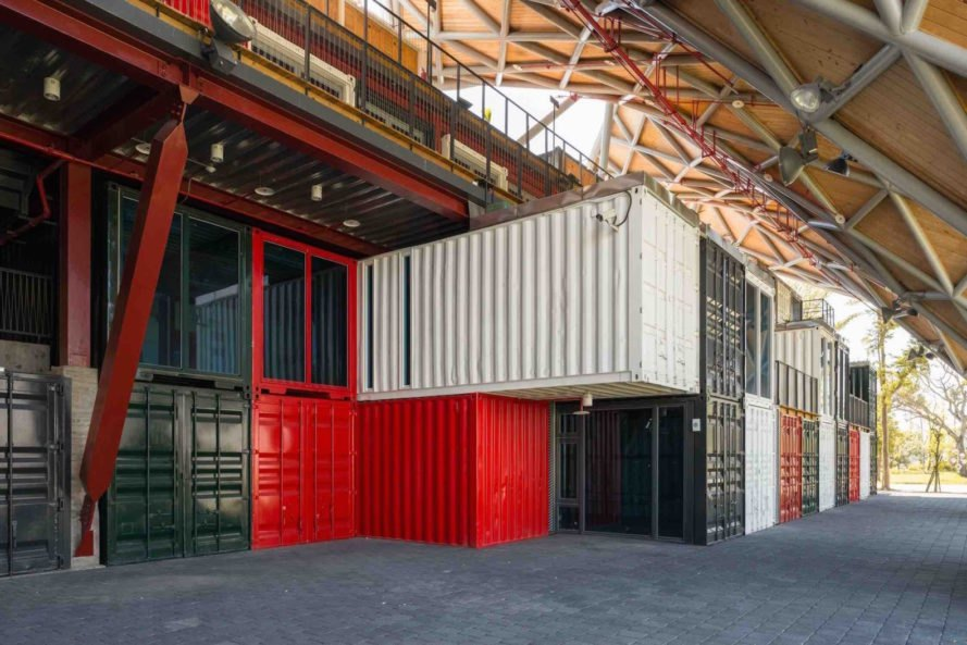 Taitung Aboriginal Gallery by Bio-architecture Formosana, Taitung Aboriginal Gallery, Taitung Aboriginal Gallery architecture, shipping container architecture in Taiwan, cargotecture in Taiwan, recycled shipping containers Taiwan, aboriginal architecture taiwan