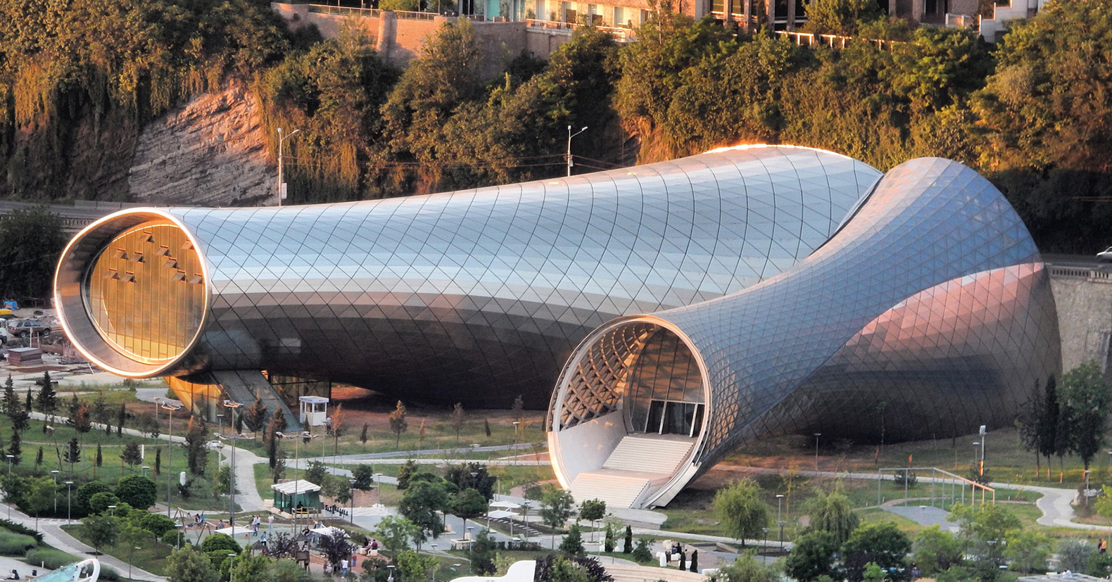 Live Videos Cars Tbilisi Georgia: New Tbilisi Music Theater And Concert Hall Acts Like A