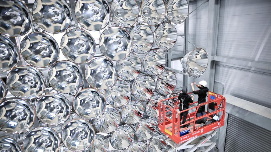 German Aerospace Center, Institute for Solar Research, DLR Institute for Solar Research, Synlight, German scientists Synlight, Synlight artificial sun, world's largest artificial sun, largest artificial sun in the world, Germany artificial sun