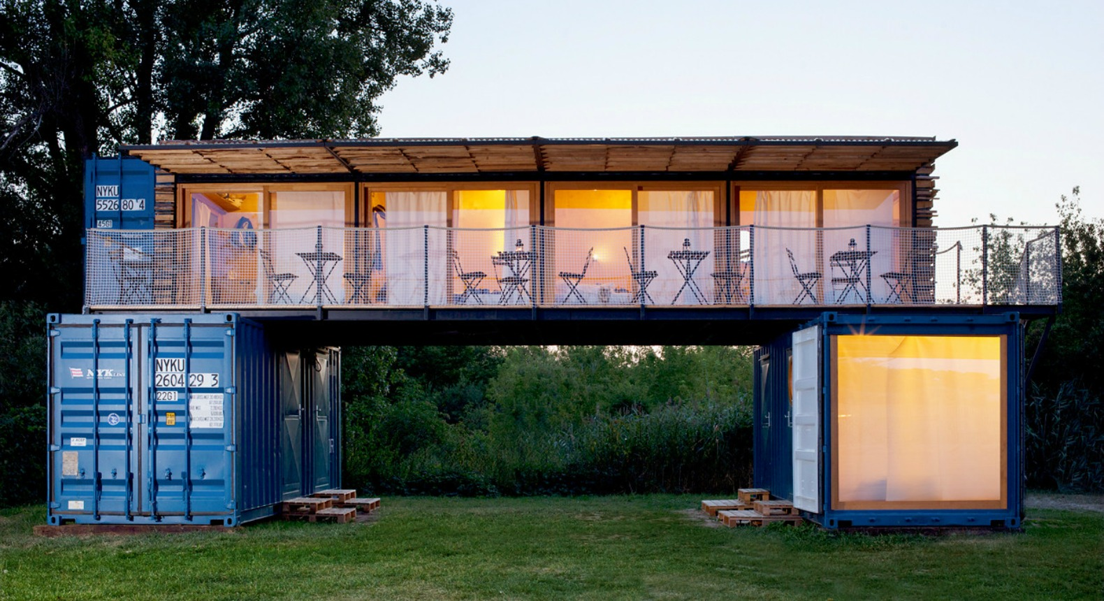 This Amazing Shipping Container Hotel Can Pop Up Anywhere In The World on Luxury Shipping Container Homes