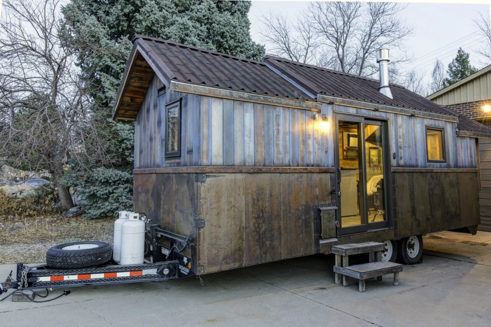 This 74K Tiny Home Has An Incredible Interior Thatu0027s Larger Than Life