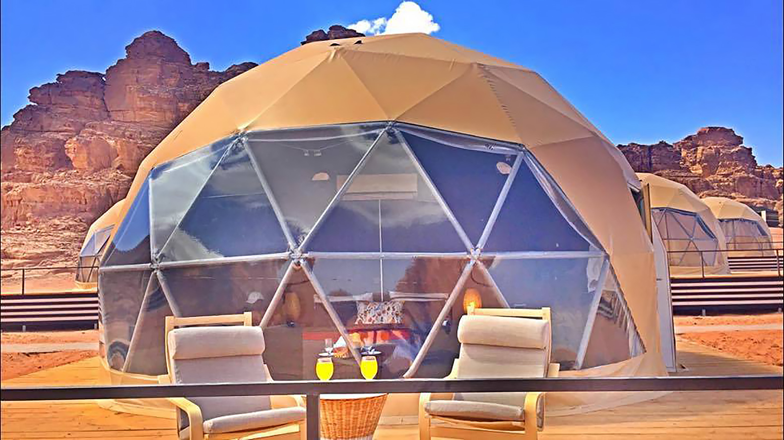 """Desert dome camp in Jordan offers tourists """"The Martian ..."""