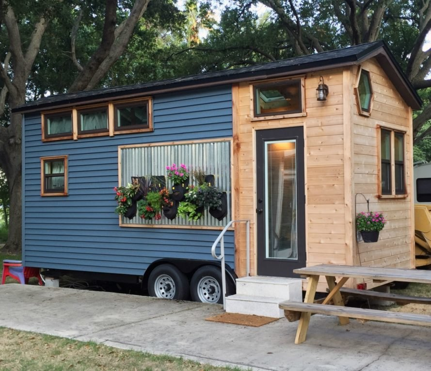 Stephanie Henschen Tiny Home, usf tiny home, tiny home documentary, timber tiny home, timber structures, tiny home movement, space saving design, minimal living, efficient living, small spaces, home design, mobile homes, tiny home events,