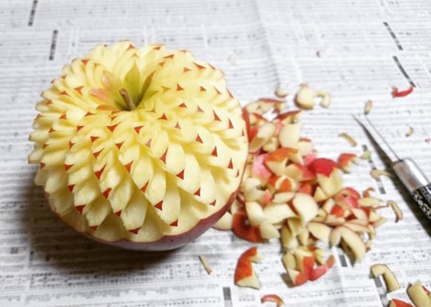 Gaku, apple art, art from food, food