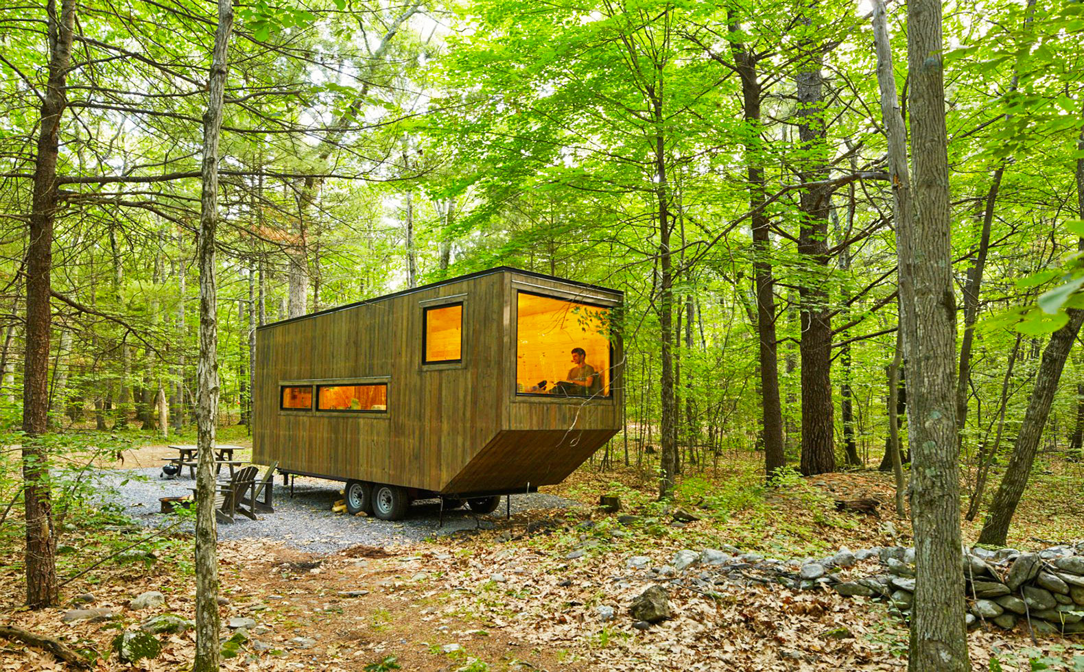 tiny house startup getaway to launch off grid tiny homes near nyc this weekend inhabitat. Black Bedroom Furniture Sets. Home Design Ideas