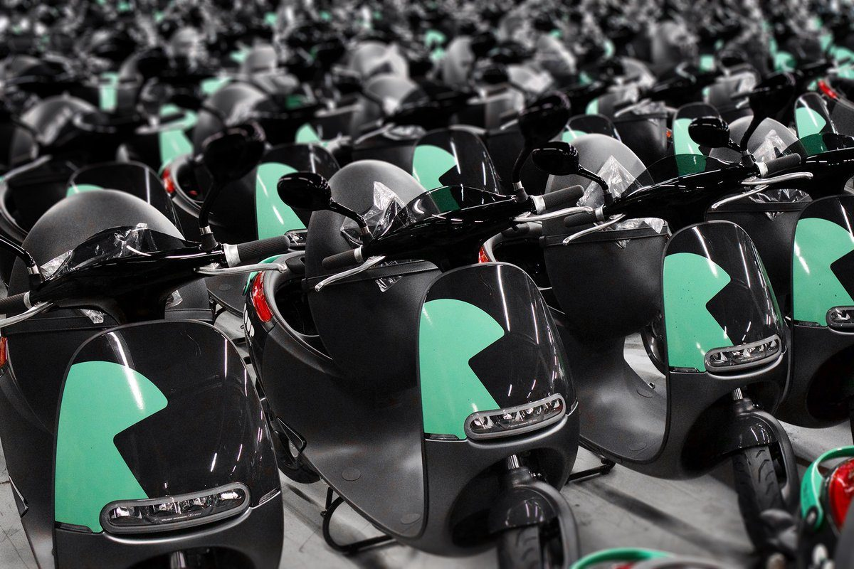 Scooter sharing service, e-scooter rental in Paris, e-scooter sharing in Paris, scooter rentals Paris, Gogoro in Paris, Coup Paris, coup and Gogoro sharing service, green transportation Paris, electric transportation Paris
