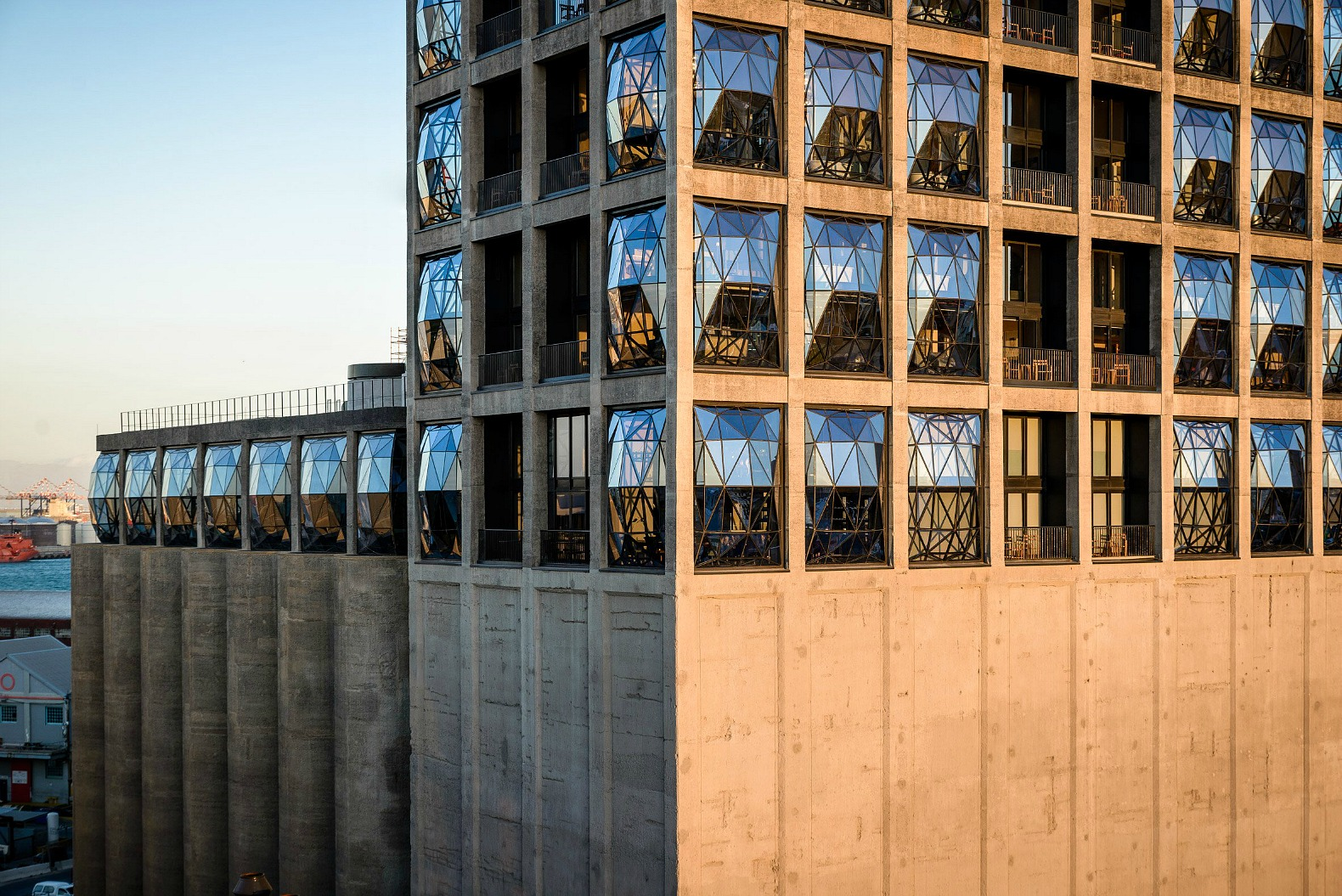 Heatherwick studio updates 90 year old grain silo in south for Design your own hotel