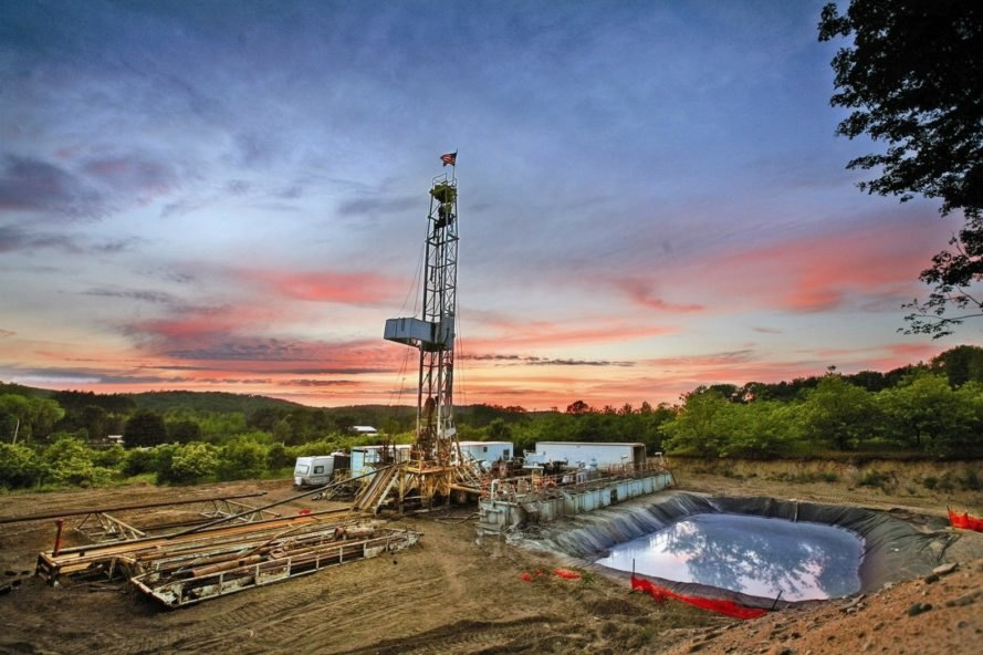 Fracking, Hydraulic Fracturing, Texas, Google, Fake News, Anti-Fracking