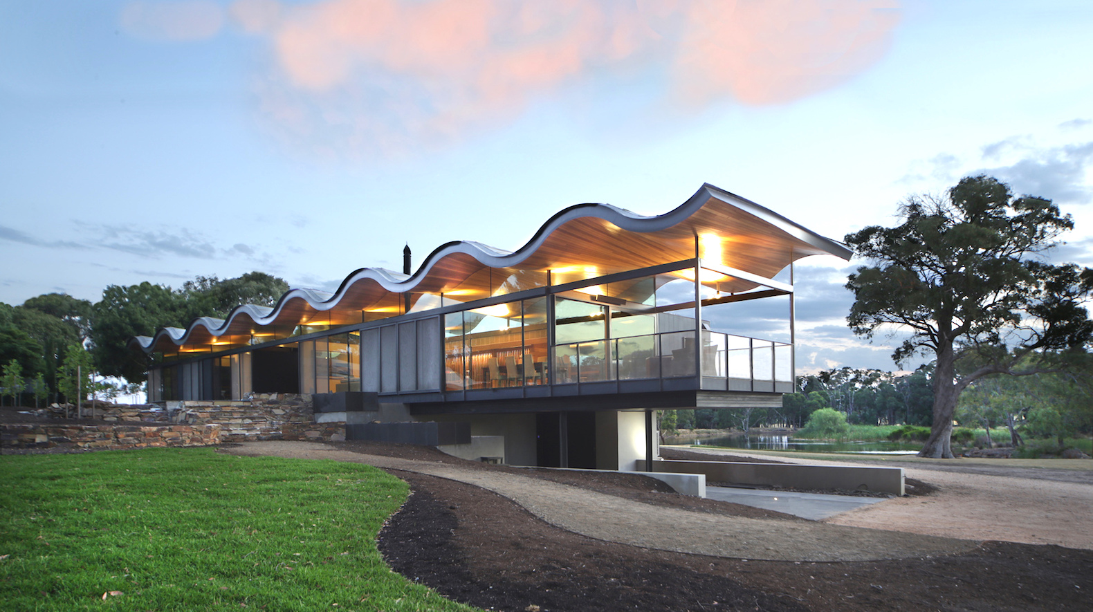 """Passive solar home built of recycled natural materials """"floats"""" in the Australian bush"""