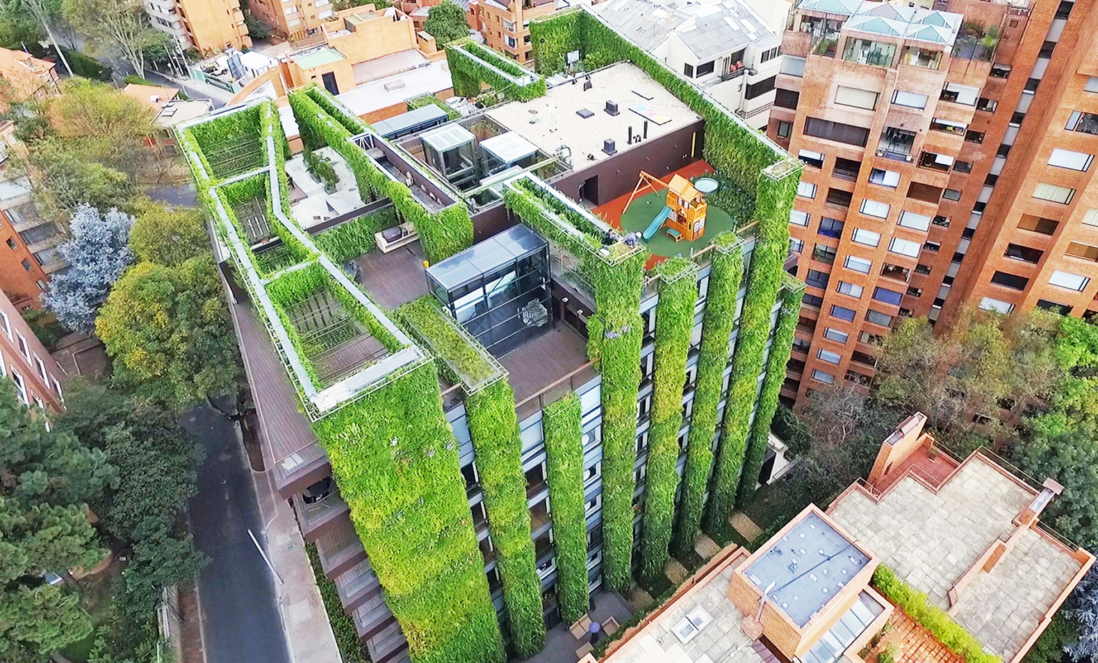 worlds largest vertical garden blooms with 85000 plants in the heart of bogota - Garden Design Birds Eye View