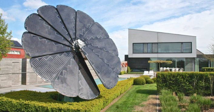 Watch This Groundbreaking New Solar Device Open And Move