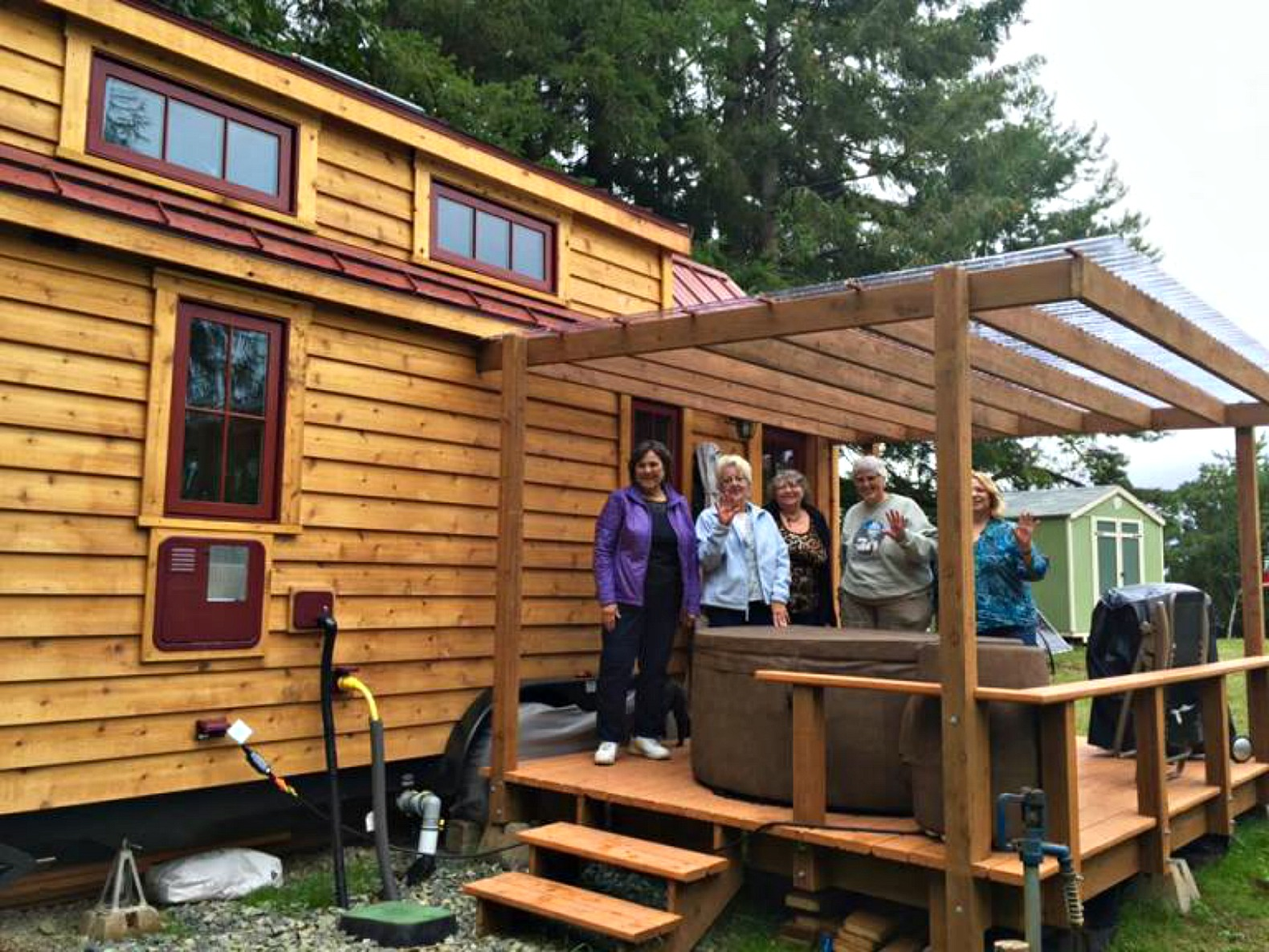 Savvy seniors are buying tiny homes to enjoy their golden for Small livable cabins