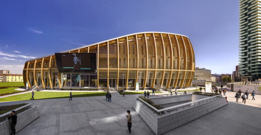Milans Striking Wooden Unicredit Building Is Powered By The Sun