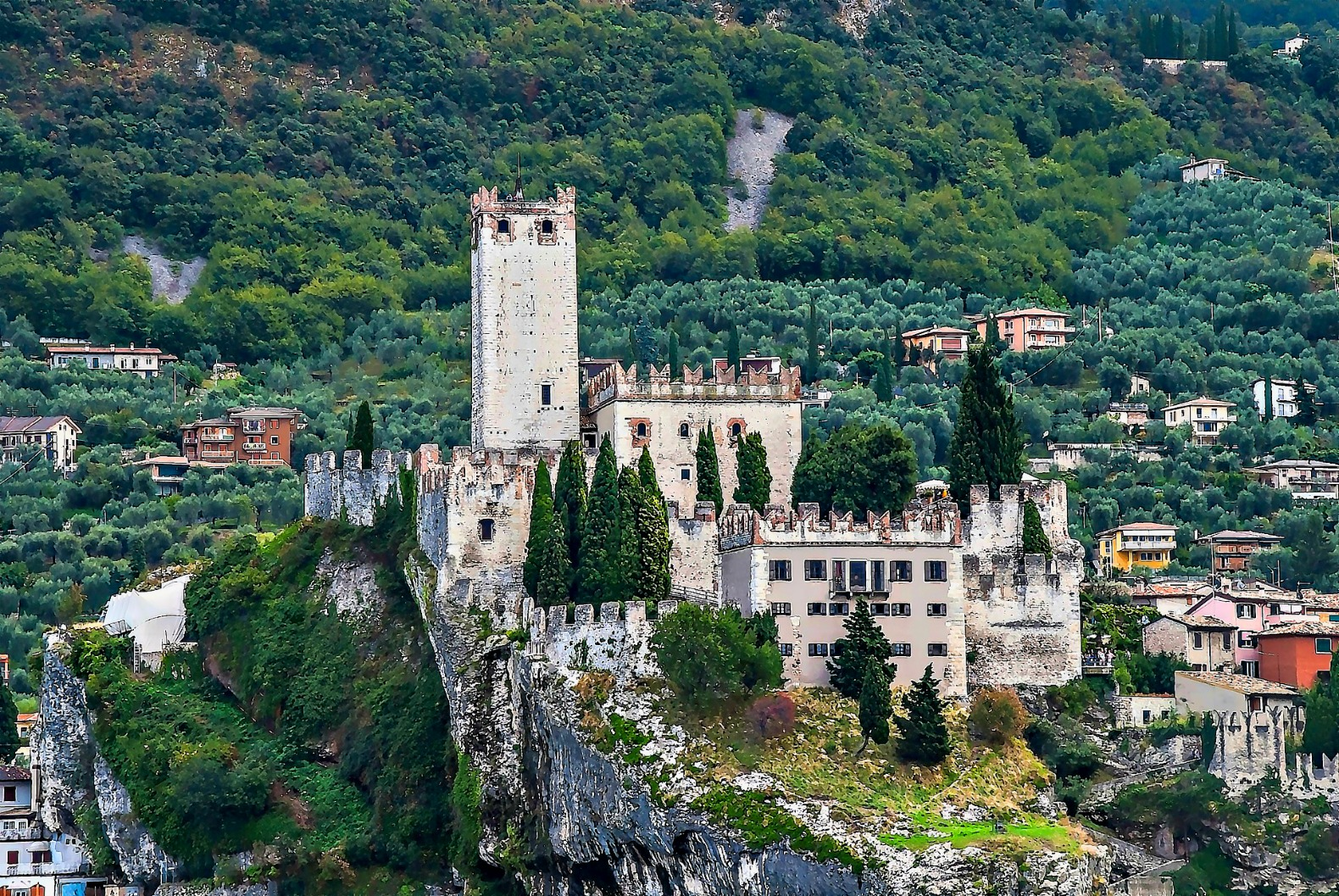 Italy is giving away hundreds of historic castles and villas for free