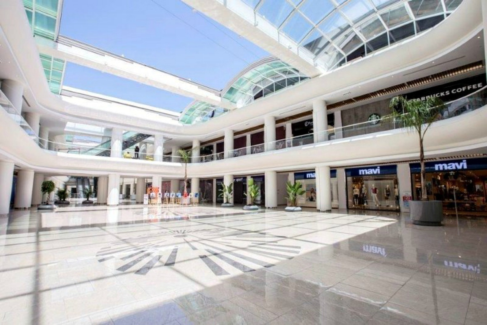 Innovative retractable glass roof can convert a mall into ...
