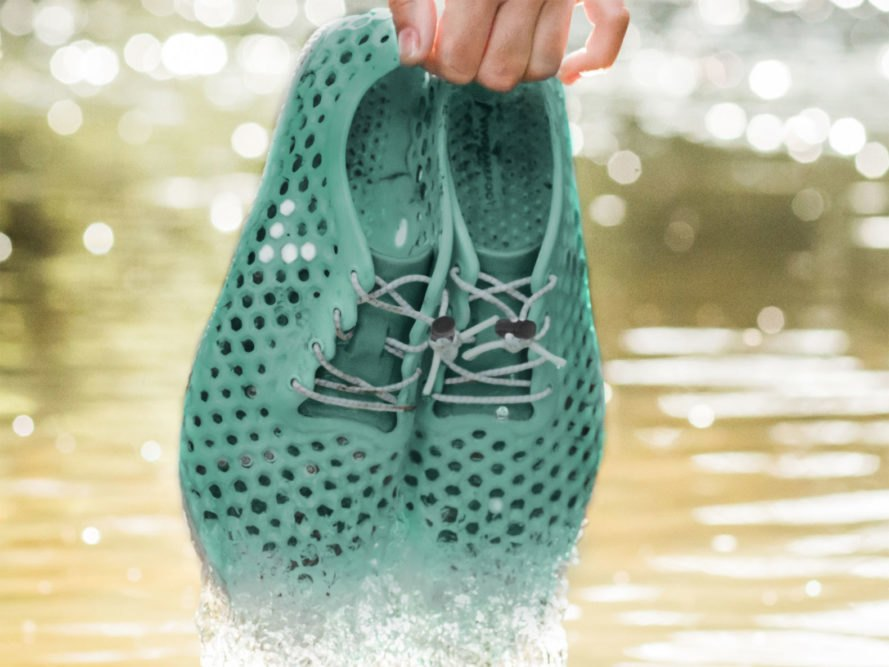 Vivobarefoot, Bloom, biomaterials, algae, eco-friendly shoes, sustainable shoes, eco-friendly sneakers, sustainable sneakers, barefoot shoes, California