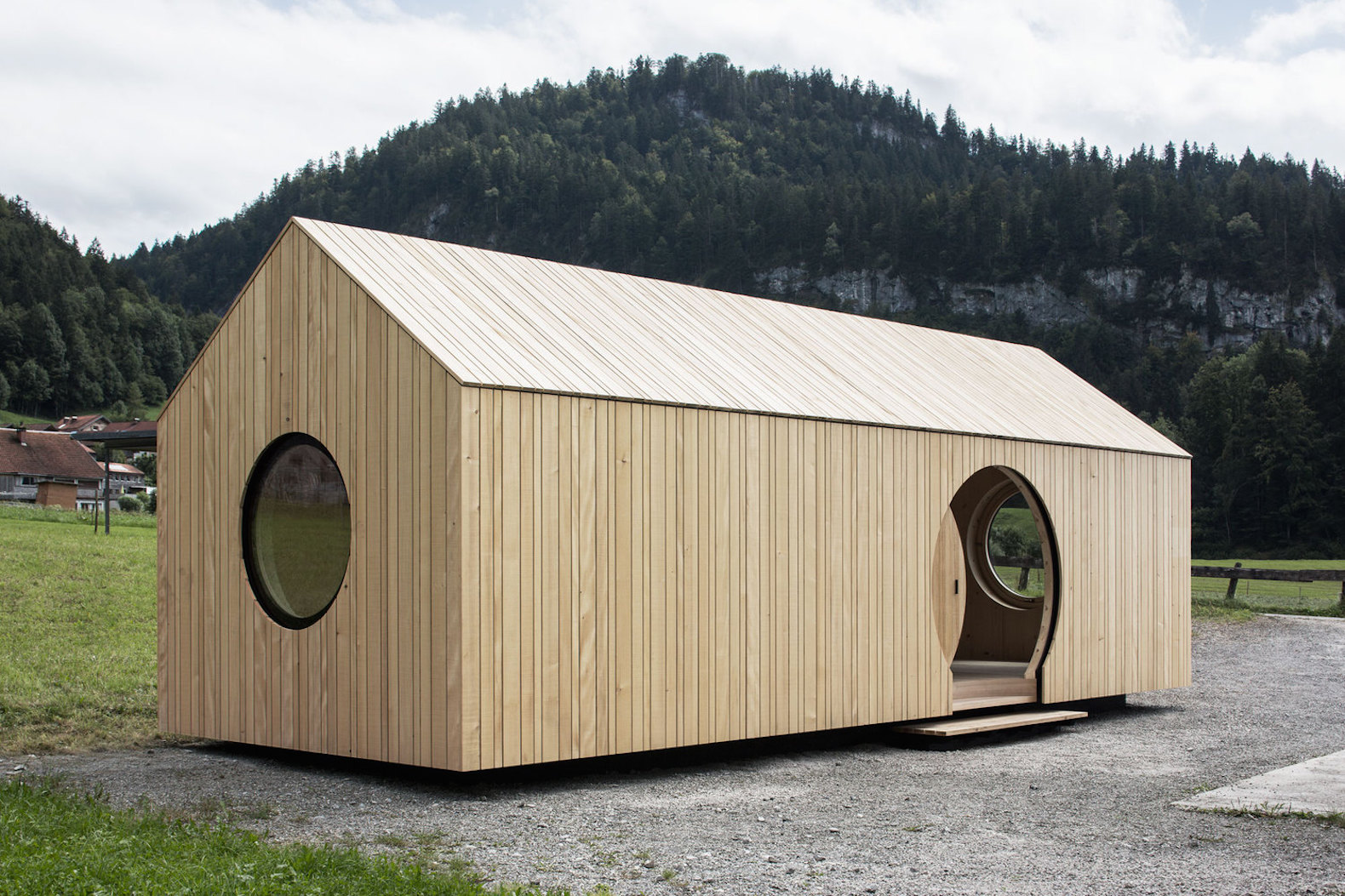 Adorable Mobile House Shows Off The Beauty Of Untreated Timber