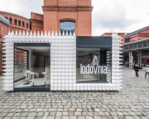 LODOVNIA by mode:lina, traffic cone architecture, mobile ice cream shop, mobile sweets shop, mode:lina Stary Browar, LODOVNIA shop, LODOVNIA in Pozna, Pozna in Courtyard of Art, sculptural architecture shop