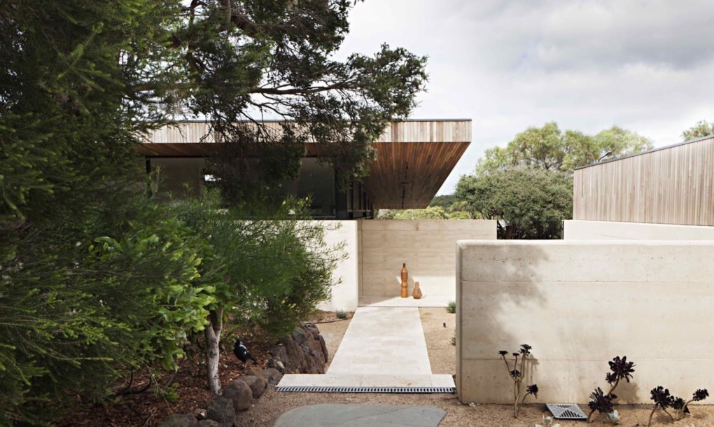 Elegant Australian Home Shows The Beauty And Toughness Of