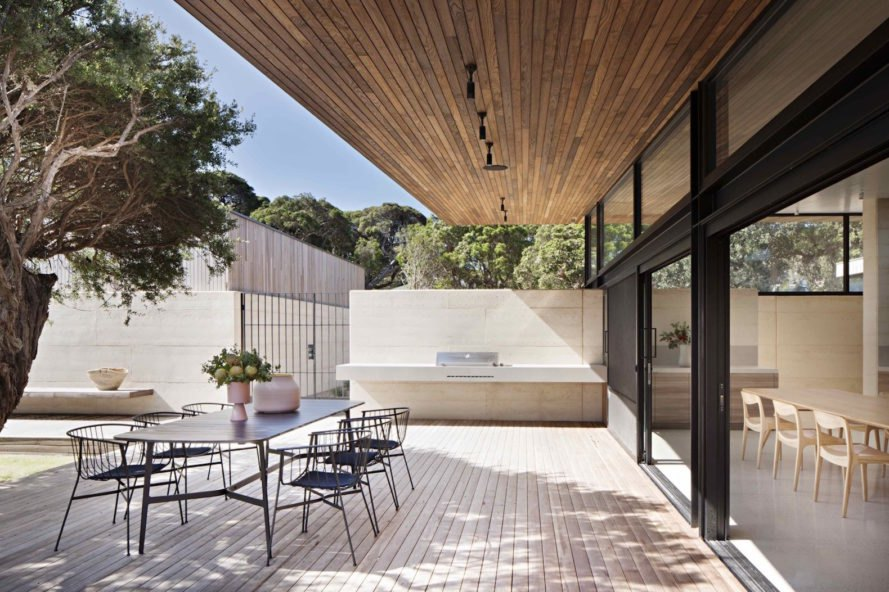 Layer House by Robson Rak Architects and Interior Designers, Robson Rak Architects and Interior Designers, Layer House in Victoria, Layer House Australia, Australia sustainable architecture, rammed earth houses, rammed earth contemporary home, rammed earth and timber architecture
