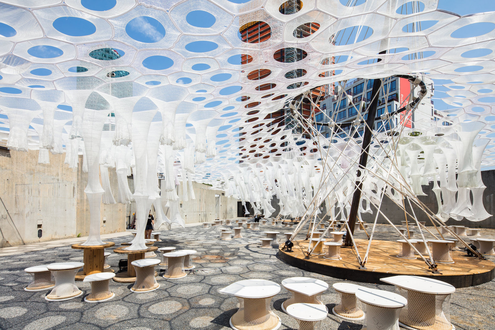MoMA PS1 unveils futuristic solar canopy that reacts to heat, sunlight, and movement